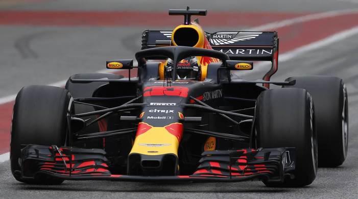 Max Verstappen beats Lewis Hamilton in dramatic Emilia-Romagna GP