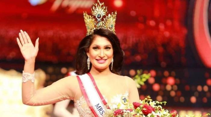 Mrs Sri Lanka winner's crown 'snatched' for being 'divorced', claims she was injured