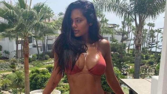 Esha Gupta shares HOT, drool-worthy photos in brown bikini, sends internet into a tizzy