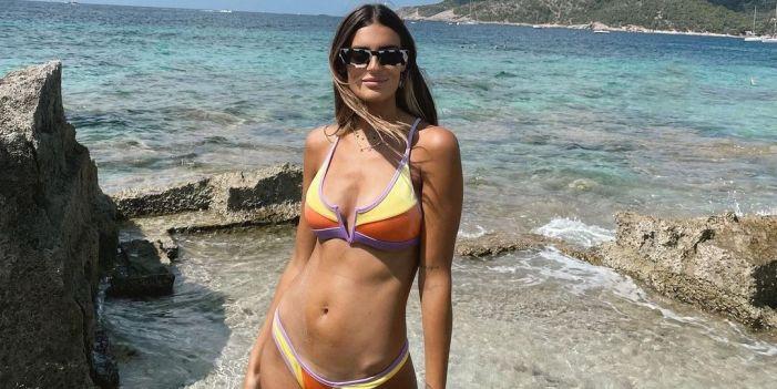 Susana Bicho lleva el bikini retro de firma española perfecto para terminar el verano