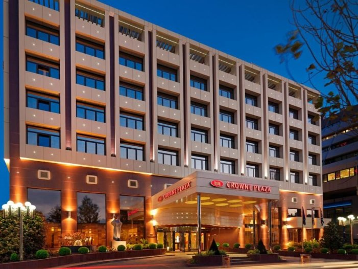 Central Athens, Greece hotel with excellent events facilities plus a seasonal rooftop pool! — tripRes