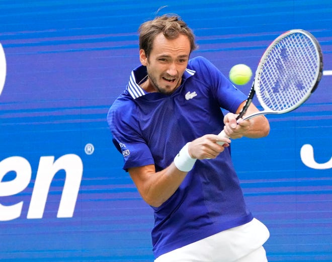 No. 2 seed Daniil Medvedev cruises past Felix Auger-Aliassime to book spot in US Open men's final