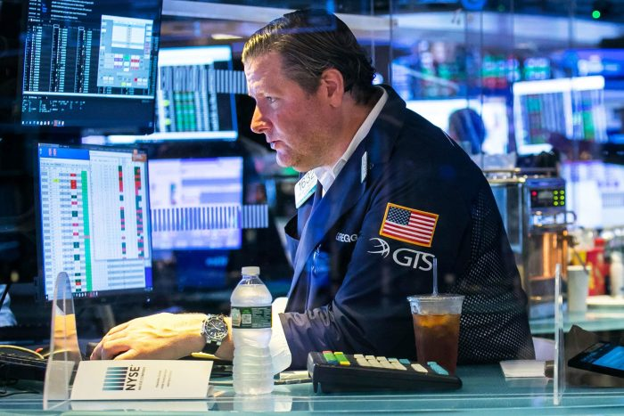 Stock futures inch higher after Dow, S&P snap 5-day losing streak
