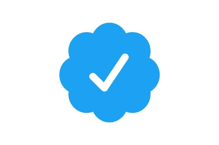 Twitter again accepting verification applications following pause last month