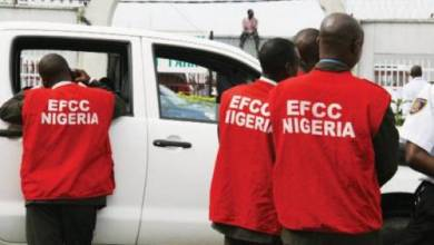 Photo of EFCC arrests two PDP party agents for vote buying in Ogun rerun election