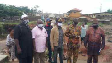 Photo of Abeokuta Flooding: Afuape, Shomide Visit Affected Areas, Assure Residents Of Government Intervention