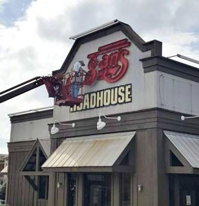 Logan's Roadhouse Closing