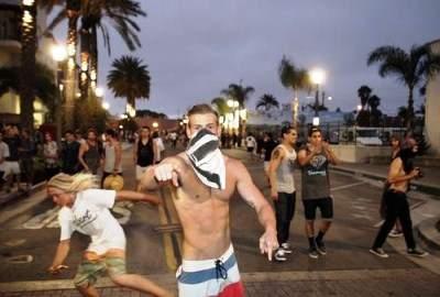 Masked HB rioter