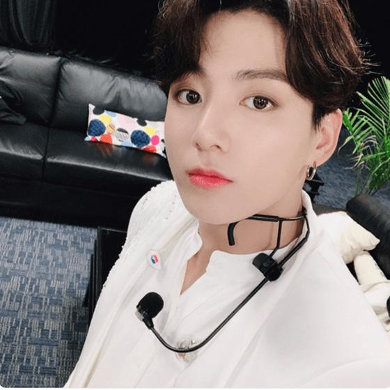 Desk-column-Is-BTS-Jungkook-gay