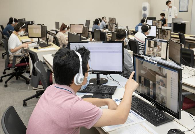Korean-firms-recruit-employees-online