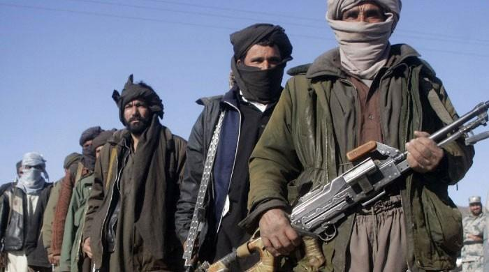 Taliban kill seven Afghan commandos in attack on army post