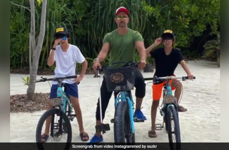 """High On Love,"" Hrithik Roshan Is Busy Chilling With Sons Hrehaan And Hridhaan"