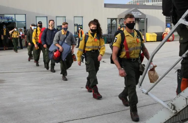 Alberta deploys 81 firefighters to help battle wildfires in Ontario   CBC News