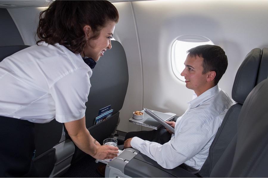Comissarios De Bordo Entrevista: American Airlines Admite Comissários De Bordo