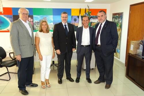 Imagem obtida no Rio de Janeiro após a reunião da delegação da TAP Portugal com Cláudio Magnavita, secretário do Turismo do Estado e o seu staff.