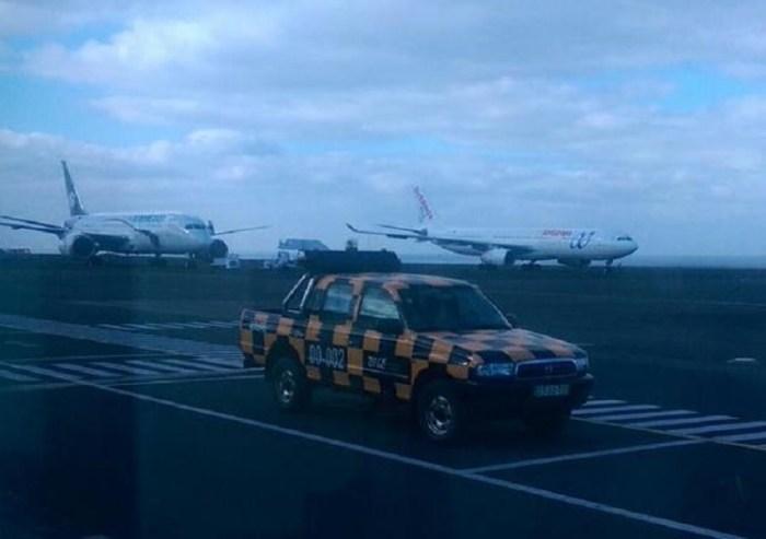 Esta fotografia foi publicada pelo passageiros Charly López na sua conta de Twitter. Foi obtida na manhã de sexta-feira quando chegou o A330-300 da Air Europa que levou os passageiros mexicanos de volta a Madrid.