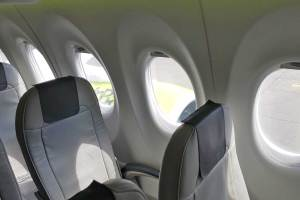 AirBaltic A220 janela