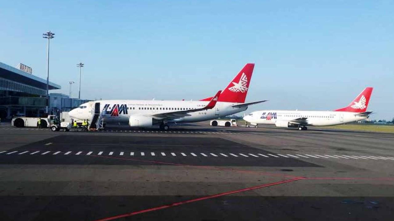 Image result for Linhas Aéreas Moçambique Boeing 737-700