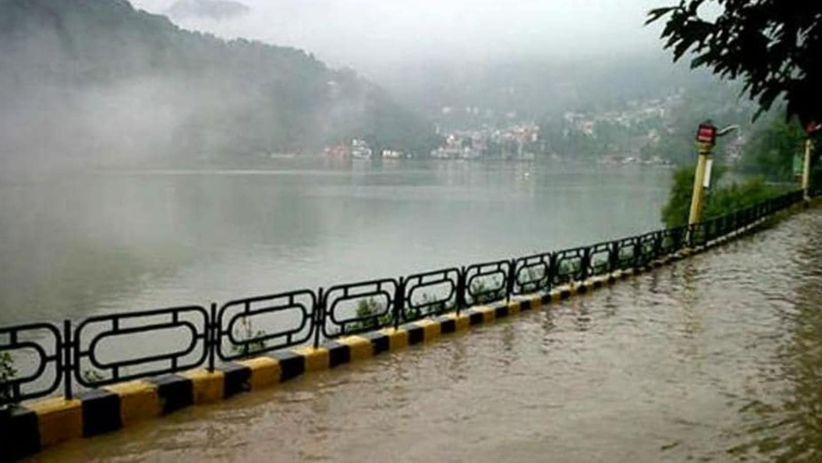 News updates from HT: Nainital Lake overflows amid heavy rains in Uttarakhand and all the latest news