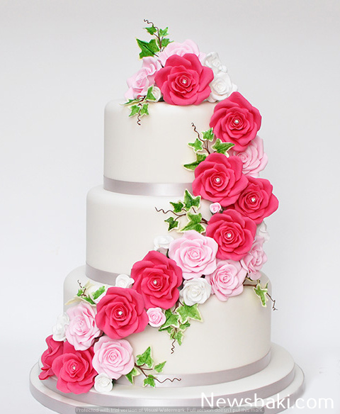 3 tier cake with pink roses leaves 43555