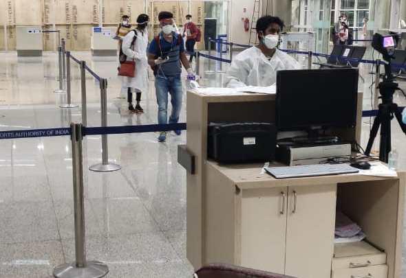 Actor Sonu Sood arranges flight for students