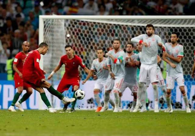 Ronaldo taking a free kick for Spain at the 2018 World Cup
