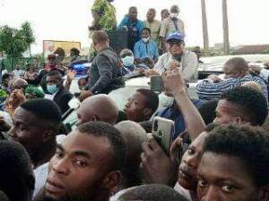 Governor Oyetola addressing the protesters