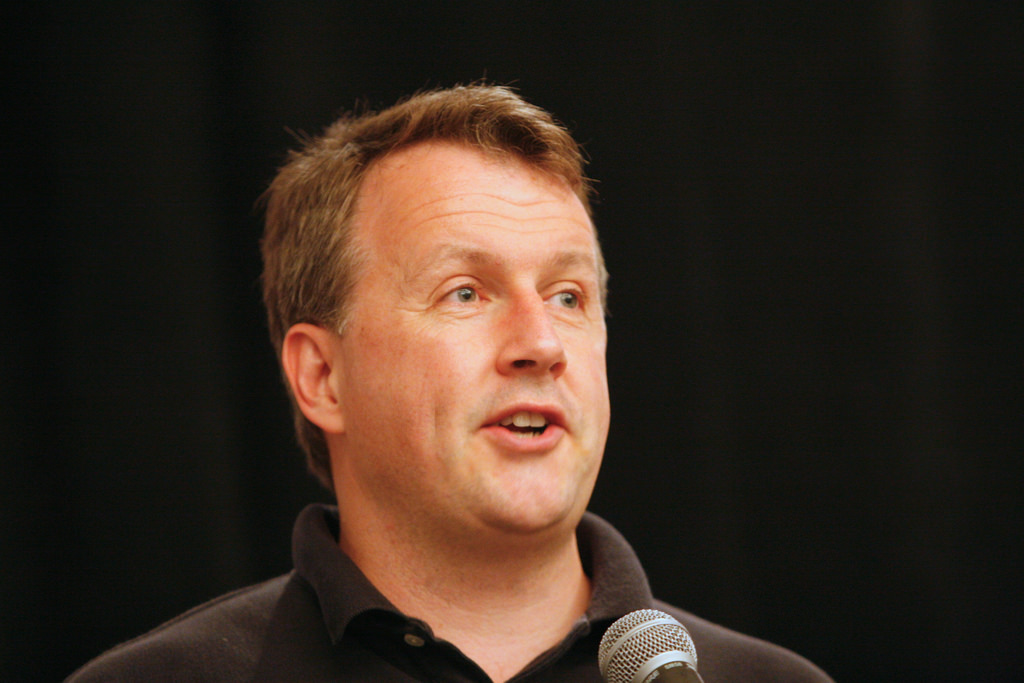 Pg2epub is a new product that users can download to have an up-to-date ebook of essays by Paul Graham