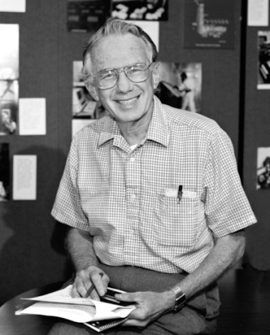 Art Rosenfeld in his Berkeley Lab office in 1989 (credit: Lawrence Berkeley National Laboratory)