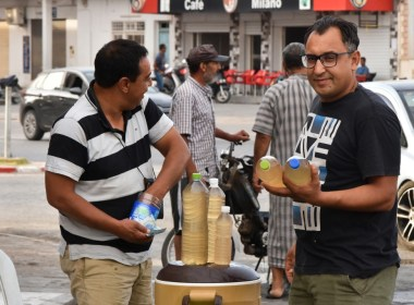 Tunisia's 'legmi' palm drink is pouring from one generation to another