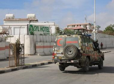 Al Shabaab members attack hotel in Mogadishu, Somalia's capital; kills 5