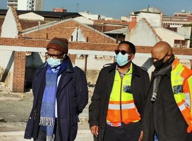 Transport Minister Fikile Mbalula and others on inspection of the rail facilities