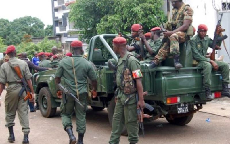 Two Wounded in Heavy Gunfire near Guinea's Presidential Palace (News Central TV)