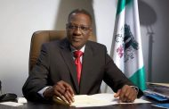 EFCC arrests ex-Kwara Governor, Abdulfatah Ahmed