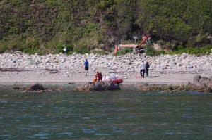 Doldrum Beach Clean Gordan lifting last few bags