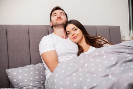 are-you-with-an-insecure-partner-these-signs-will-help-you-decide