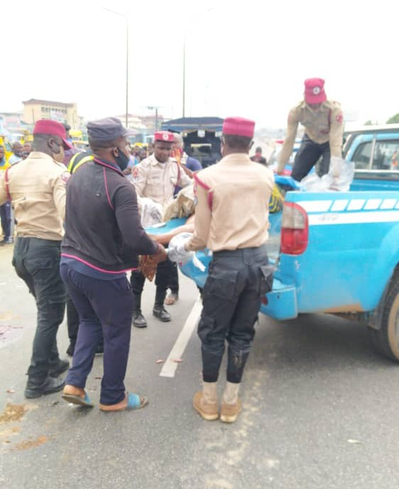 """A hit-and-run driver on Wednesday, killed a woman who was crossing the expressway at Okpoko Junction Onitsha,on Onitsha-Awka Expressway. Mr Andrew Kumapayi, the Commander of the Federal Road Safety Corps (FRSC) in Anambra, confirmed the incident to the News Agency of Nigeria in Awka. According to eyewitnesses, the incident occurred around 8.00 a.m. """"They said […]"""