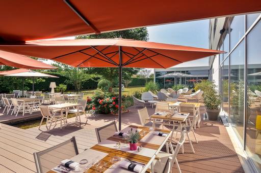 GENAS | COTé le restaurant > une cuisine inventive dans un cadre contemporain, cosy