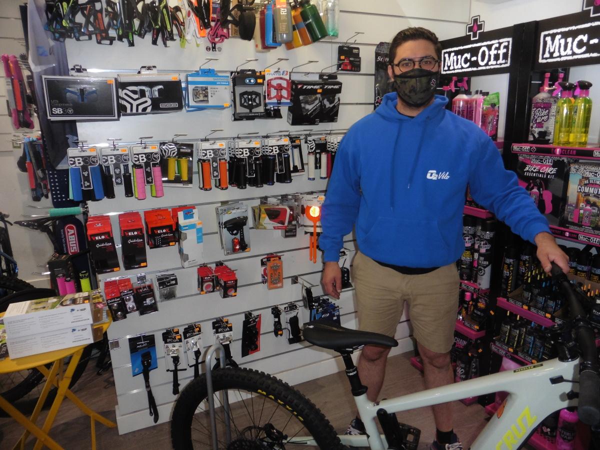 GENAS | O2 Vélo > portrait du responsable de boutique