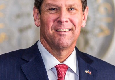 In Trump's shadow, Georgia's Kemp draws boos from GOP faithful
