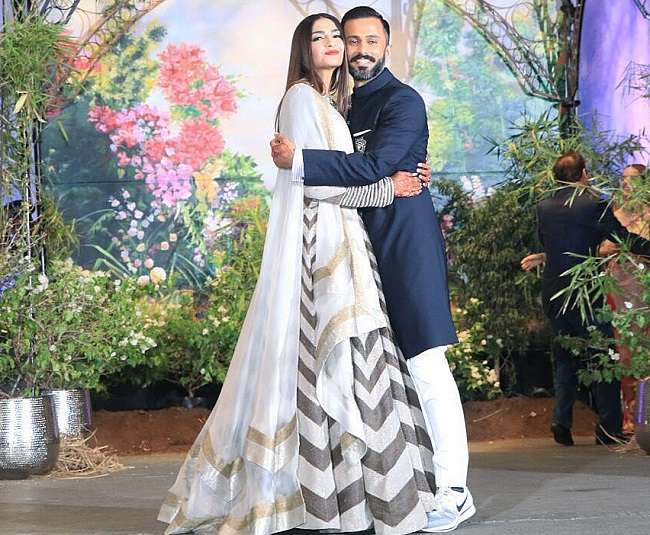 watch the latest photos of sonam kapoor and anand ahuja reception