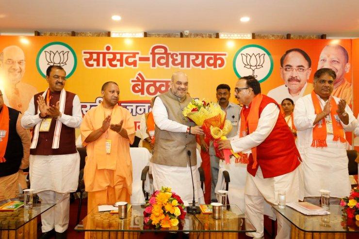 2019 election meerut menka gandhi and varun gandhi