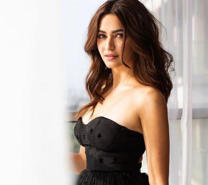 #kriti kharbanda, #shadi, #zaroor, #aana, #housefull, #actress