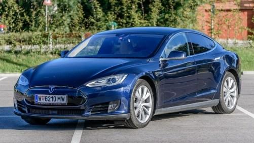 Os 10 Melhores Gadgets da década - Tesla Model S