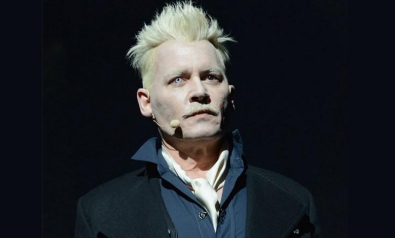Johnny Depp como Grindelwald em Animais Fantásticos