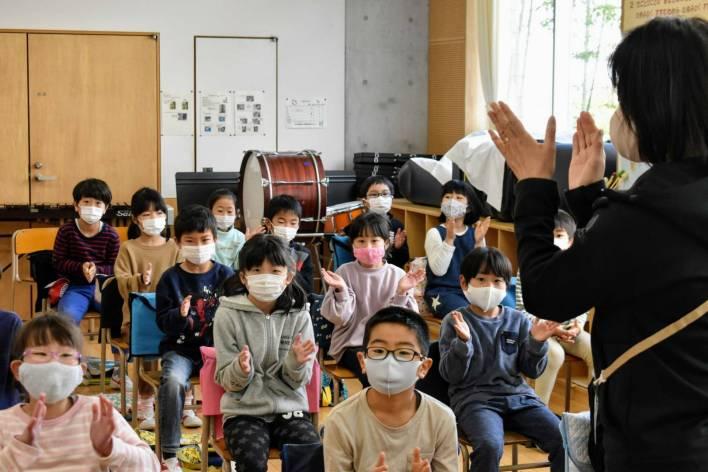 Não Existem Funcionários de Limpeza nas Escolas Japonesas
