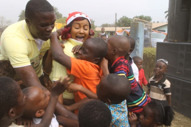 Actress Nana Ama McBrown Celebrates New Year with Children of Mampong Babies Home (78)