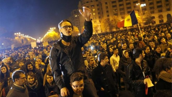 Spurred on by anti-corruption sentiment, protesters took to the streets again on Wednesday