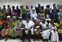Dignitaries and participants in a group photo