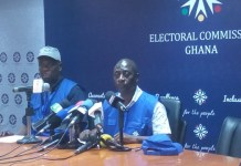 Mr Samuel Tetteye (right) addressing the press